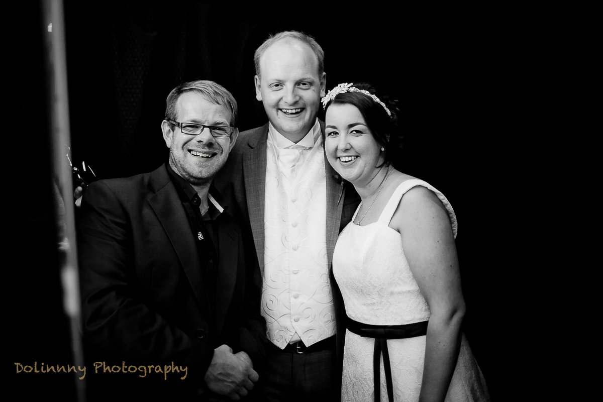Wedding photographer, portrait photographer – Hello world