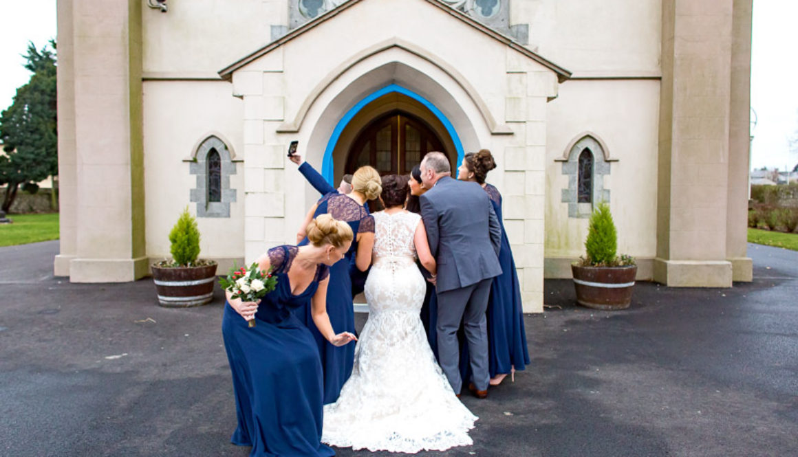 Why you should put your phone down at a wedding ceremony